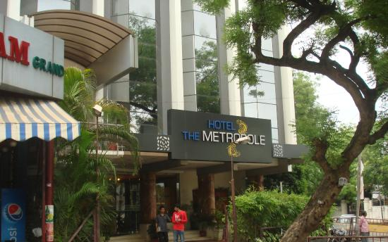 Hotels Near Madurai